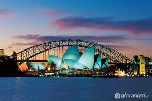 Tòa nhà nổi tiếng với vẻ đẹp trong đêm (Ảnh internet)