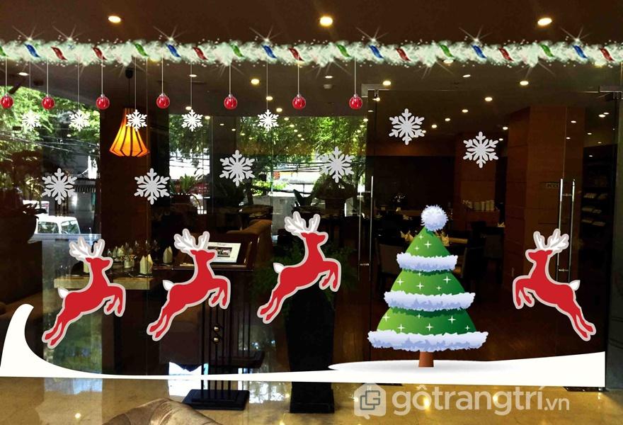 3 màu sắc chủ đề Noel: trắng, đỏ và xanh được yêu thích trong trang trí văn phòng (Ảnh Internet)