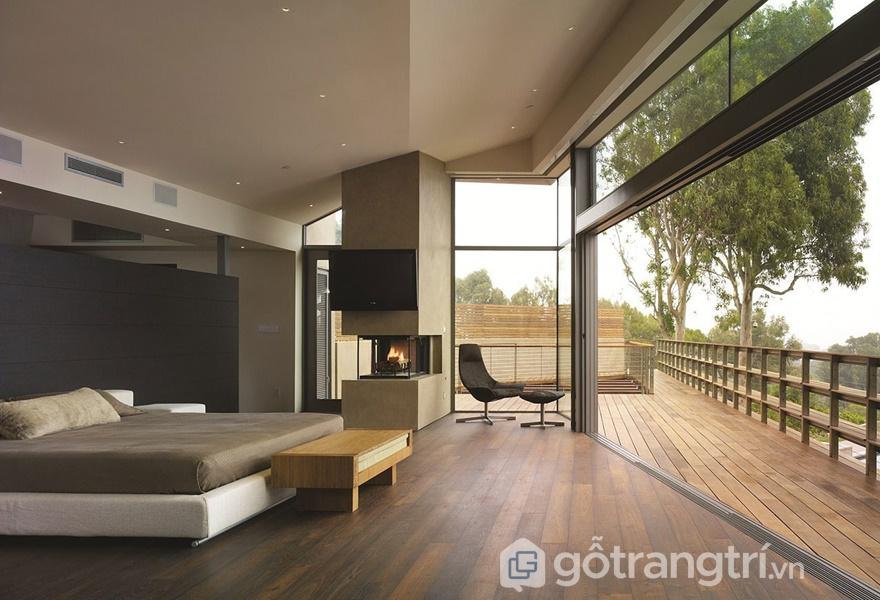 Vẫn nên thiết kế các ô cửa sổ trong phòng ngủ tường kính (Ảnh Internet)