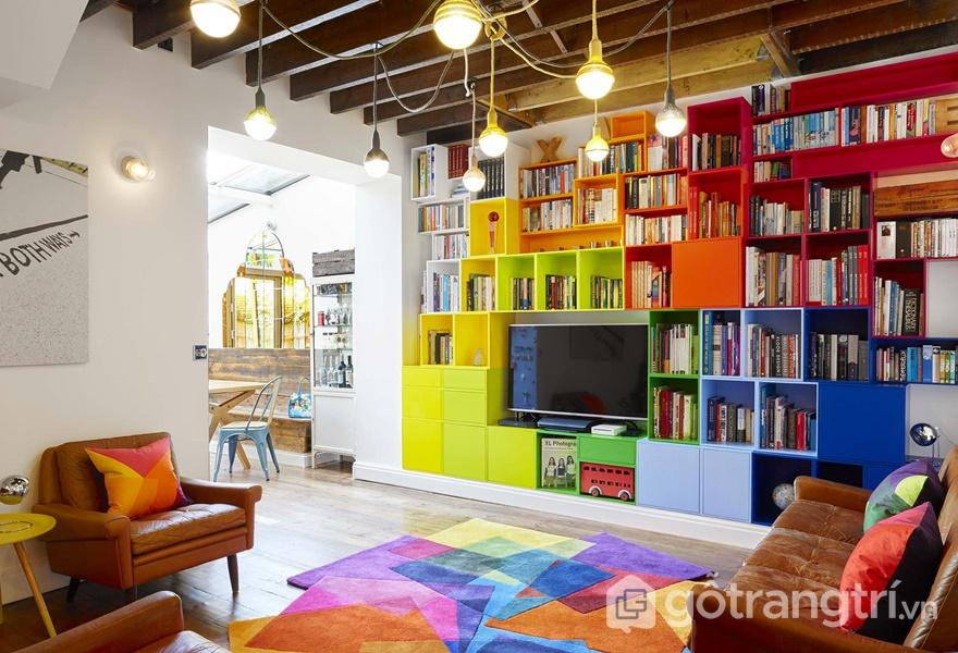 Trang trí trần nhà ấn tượng với màu sắc và bóng đèn (ảnh internet)