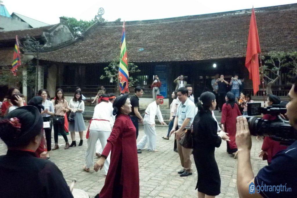 Hội xoan Phú Thọ là một điểm đặc trưng không thể thiếu trong lễ hội đền Hùng. (ảnh: internet)
