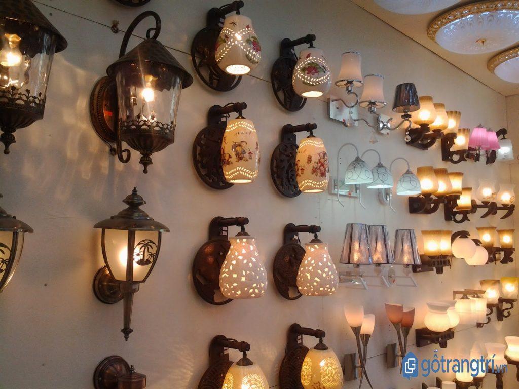 Các mẫu đèn trang trí dạng gắn tường. (ảnh: internet)