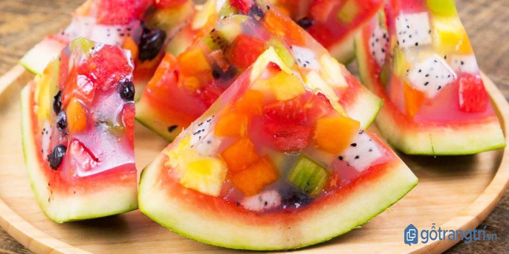 Thạch rau câu trái cây kết hợp nhiều loại hoa quả. (ảnh: internet)