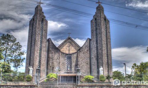 Nhà thờ Phú Cam - Công trình kiến trúc tuyệt đẹp trên đất Huế