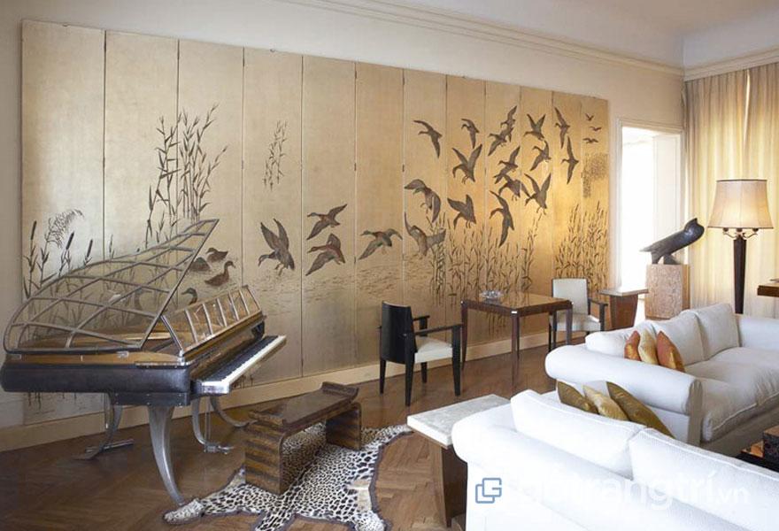 Thiết kế Art Deco đã làm cho bức tường sinh động khi có hình chim chóc (Ảnh: Internet)