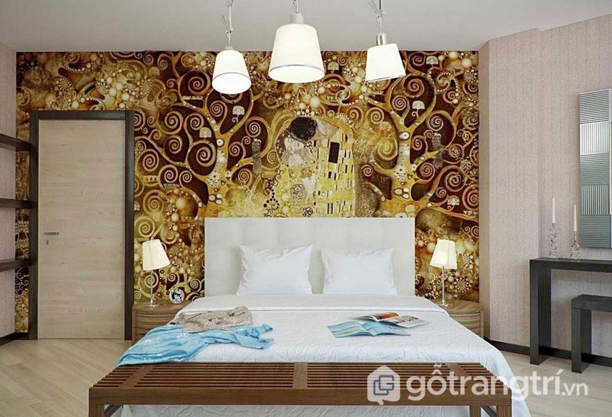 Màu vàng sáng của tranh tường khiến phòng ngủ lộng lẫy hơn (Ảnh: Internet)