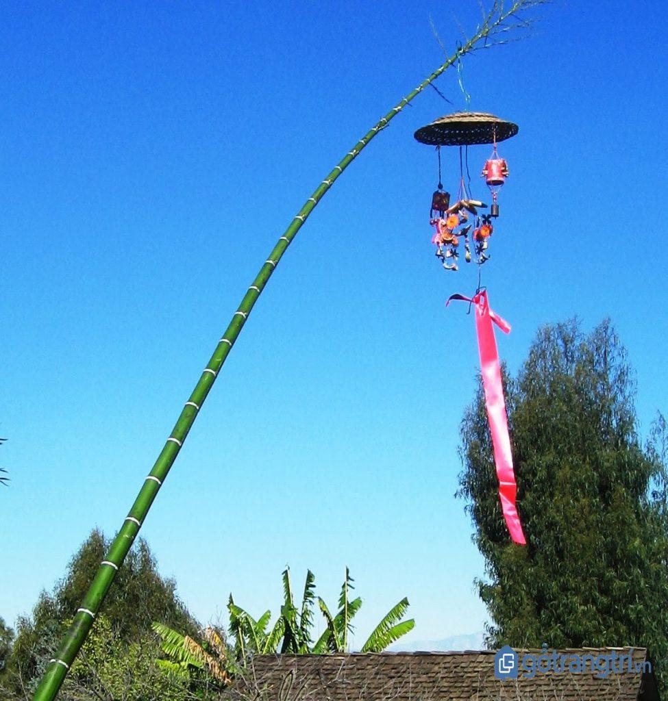Phong tục Tết cổ truyền: Cây nêu ngày Tết xua đuổi tà ma và nhằm đem lại mùa màng bội thu. (ảnh: internet)