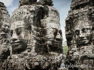 Quần thể đền Angkor Wat chính là địa điểm du lịch nổi tiếng nhất của đất nước Campuchia - Ảnh internet