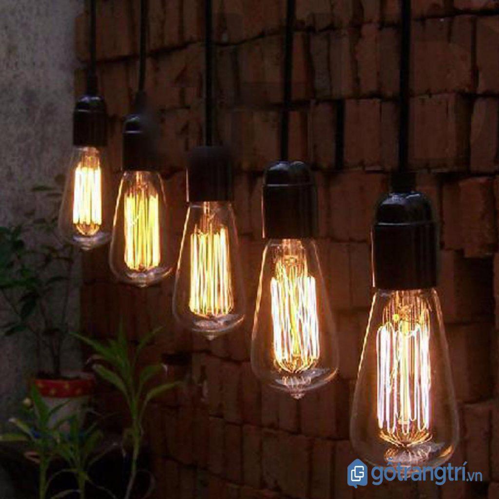 Đèn thả trần đơn giản cho lối đi. (ảnh: internet)