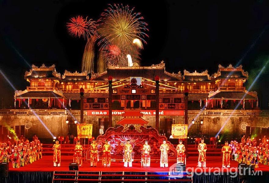 Nhã nhạc cung đình Huế là di sản văn hóa phi vật thể đầu tiên được công nhận tại Việt Nam (ảnh internet)