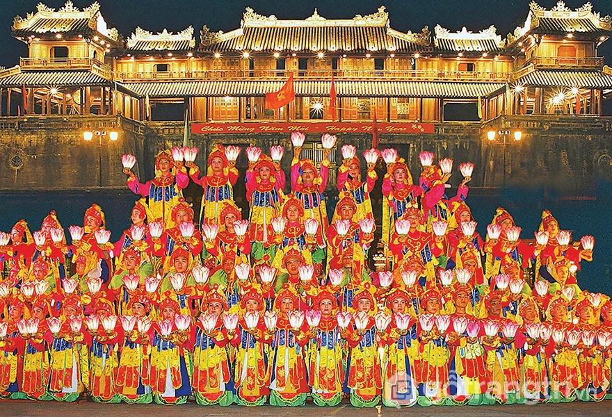 Di sản văn hóa phi vật thể: Nhã nhạc cung đình Huế được biểu diễn trong các lễ hội (ảnh internet)