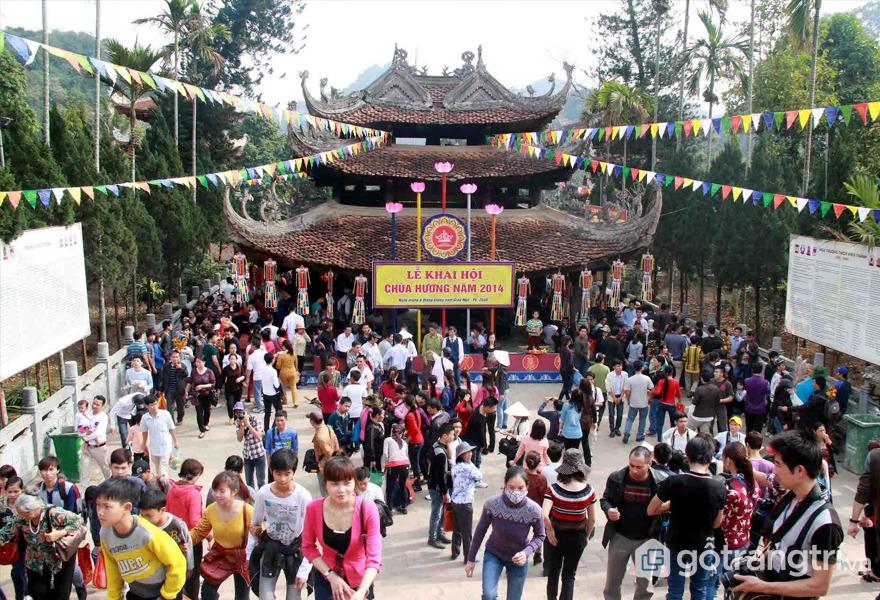 Chùa Hương nằm ở xã Hương Sơn, huyện Mỹ Đức, Hà Nội - Ảnh internet