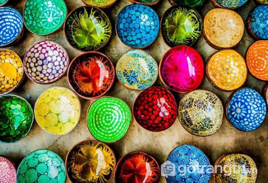 Sắc màu rực rỡ của làng gốm Thanh Hà (Ảnh: Internet)