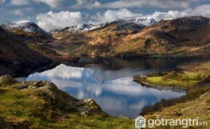 Biển hồ phẳng lặng gợi nhớ đến khu vực giáp ranh Đức, Thụy Sĩ và Italy này thực ra là ở Cumbria, Anh - Ảnh Internet