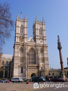Tu viện Westminster là nơi yên nghỉ của các huyền thoại đất nước Anh - Ảnh Internet