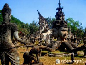 Công trình kiến trúc Lào: Công viên tượng phật có hơn 200 bức tượng Phật (Ảnh Internet)