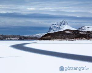 Quang cảnh như ở vùng Bắc Cực này thực ra chính là ở Cam Loch, Scotland - Ảnh Internet