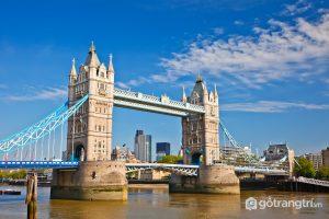 Cầu tháp luân đôn là biểu tượng kiến trúc nổi bật gắn liền với thủ đô London - Ảnh Internet