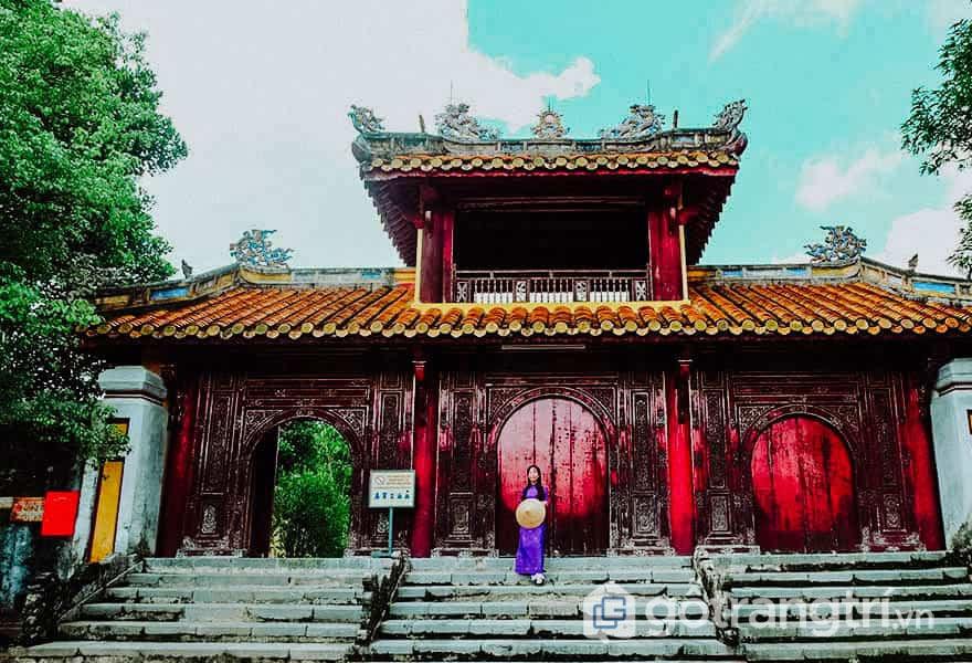 Lăng Gia Long còn có tên gọi khác là Thiên Thọ Lăng - Ảnh: Nguyễn Thị Mai Trang