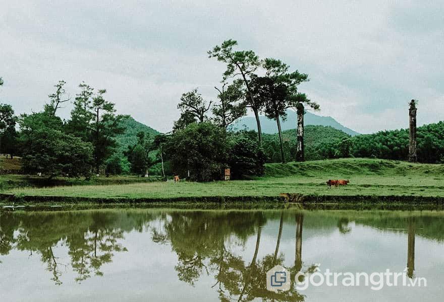Khung cảnh yên bình tại lăng Gia Long - Ảnh: Nguyễn Thị Mai Trang