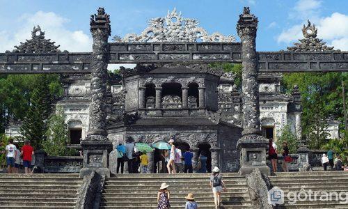 Vẻ đẹp kiến trúc lăng Khải Định và sự giao thoa văn hóa Đông - Tây