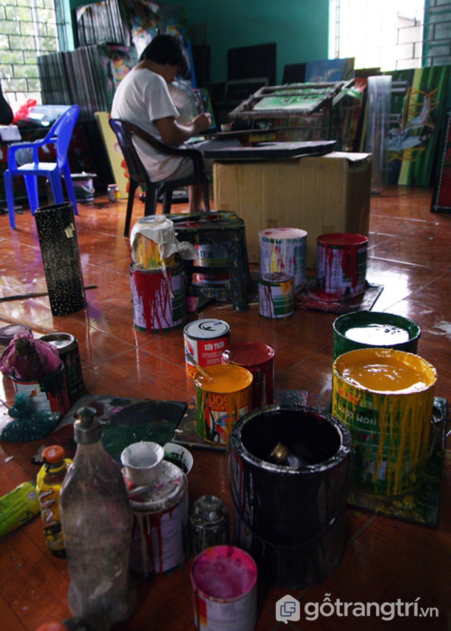 Sơn để làm tranh sơn mài Hạ Thái (Ảnh: Internet)