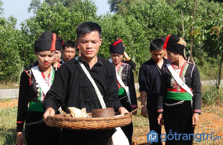 Thành phần chủ yếu trong lễ cầu mưa của người Thái là thanh niên nam nữ (Ảnh: Internet)