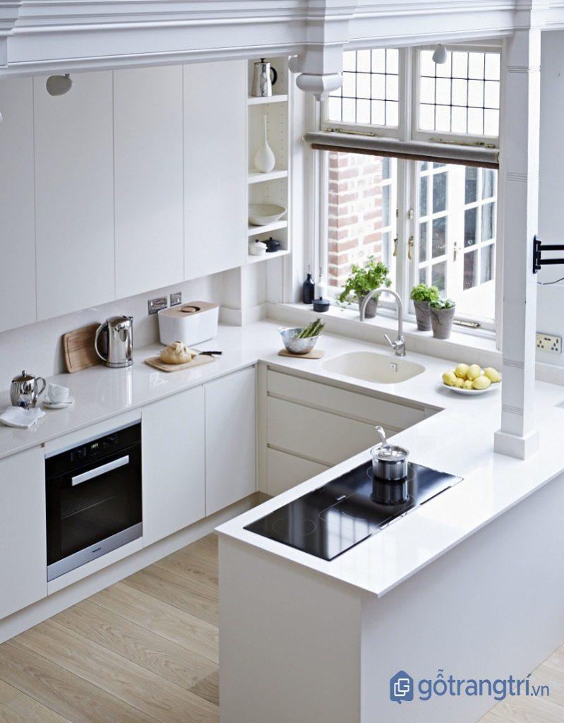 Kệ bếp chữ U phù hợp với những căn bếp thông minh nhỏ, có thiết kế vuông vắn. (ảnh: internet)