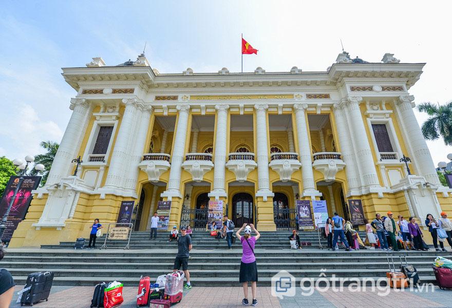 Nhà hát lớn Hà Nội: Công trình kiến trúc nghệ thuật quy mô, lộng lẫy (Ảnh: Internet)