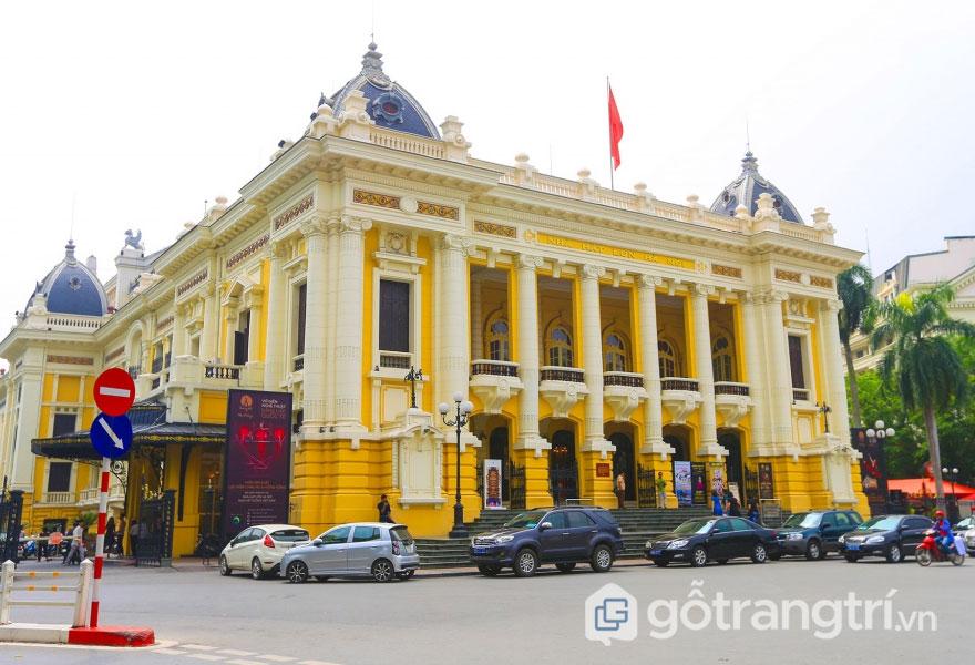 Toàn cảnh kiến trúc nhà hát lớn Hà Nội (Ảnh: Internet)