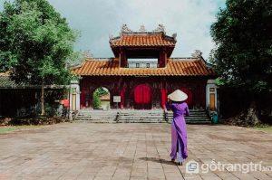 Lăng Gia Long thu hút mọi ánh nhìn với vẻ đẹp kiến trúc nguyên sơ, là một trong những công trình thể hiện rõ nét nhất của kiến trúc nhà Nguyễn - Ảnh internet