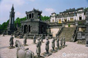 Kiến trúc đôc đáo của lăng Khải Định - sự kết hợp hài hòa của kiến trúc và sự giao thoa văn hóa Đông – Tây - Ảnh internet