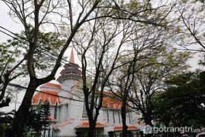 Nhà thờ Dòng Chúa Cứu Thế nằm tại Phường Phú Nhuận - Ảnh internet