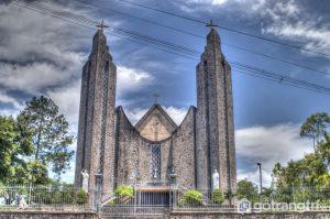 Hình ảnh nhà thờ Phú Cam với kiến trúc tuyệt đẹp trên mảnh đất cố đô - Ảnh internet