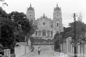 Nhà thờ Phủ Cam đã trải qua 3 đời Giám mục và phải sau gần 40 năm xây dựng - Ảnh internet