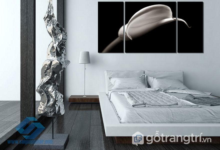 Phòng ngủ sử dụng 2 gam đối lập màu đen và trắng (Ảnh: Internet)