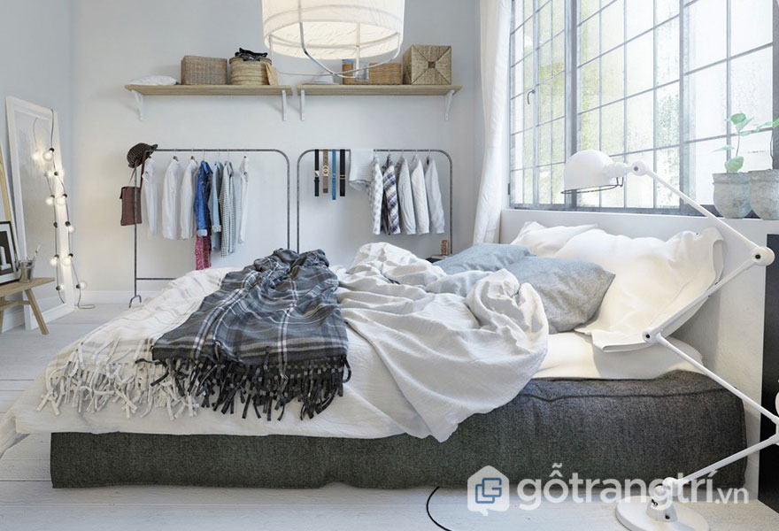 Giường ngủ được thiết kế bằng tấm đệm sát sàn nhà (Ảnh: Internet)
