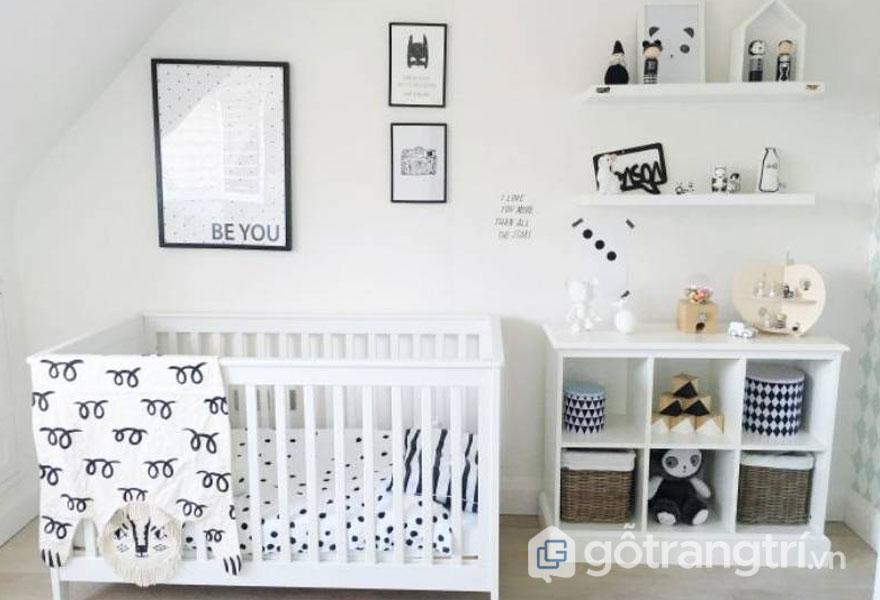 Phòng ngủ bé trai sơ sinh 2 gam màu trắng và đen (Ảnh: Internet)