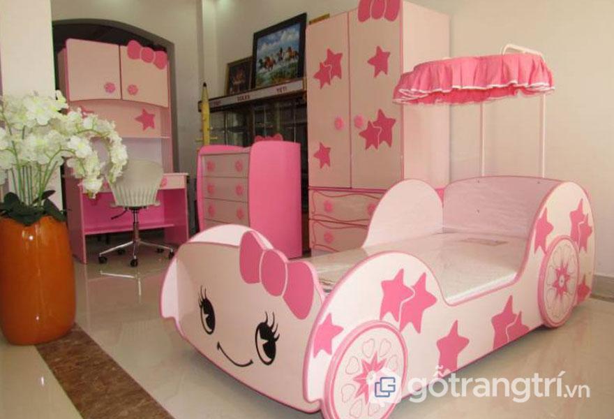 Phòng ngủ bé gái từ 3 - 5 ngộ nghĩnh với chiếc giường ngủ hình kity và ngôi sao màu hồng (Ảnh: Internet)