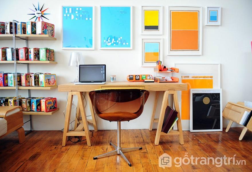 Nội thất gỗ tự nhiên không sơn với những đường vân mang đến sự dễ chịu và tập trung cho người dùng (ảnh internet)