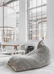 Một chiếc ghế lười bọc len bên ngoài ấn tượng - Ảnh internet