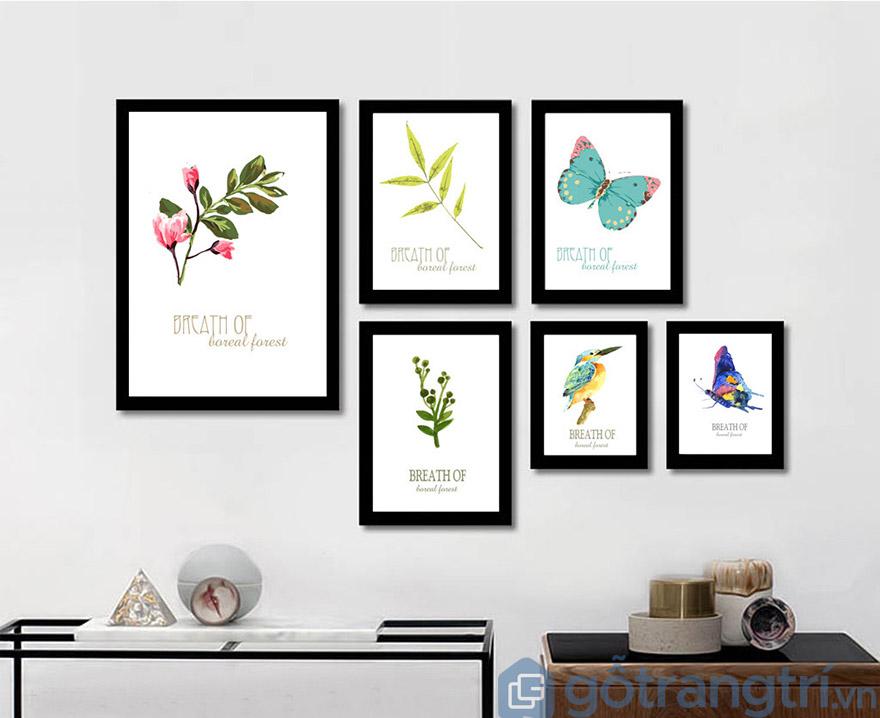 Bạn hoàn toàn có thể kết hợp các mẫu tranh nhỏ để tạo nên góc phòng khách đầy sáng tạo và đẹp ấn tượng