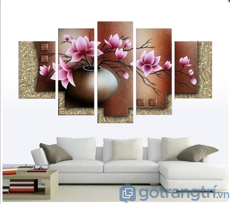 Những mẫu tranh nghệ thuật trang trí phòng khách làm tôn lên sự sang trọng cho không gian (Nguồn internet)