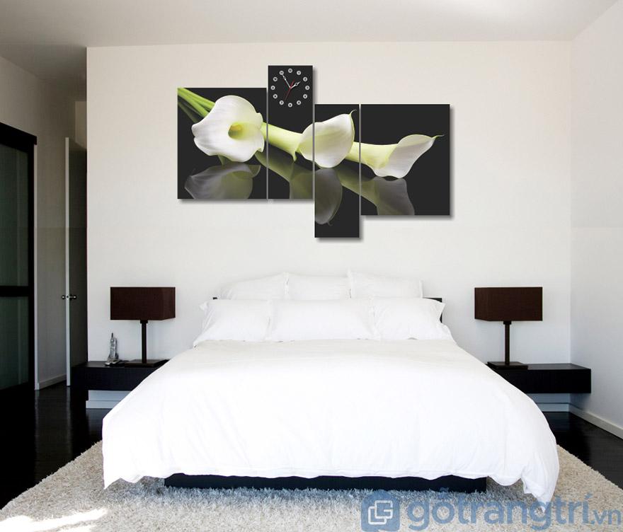 Kết hợp đồng hồ với tranh treo tường phòng ngủ(Nguồn internet)