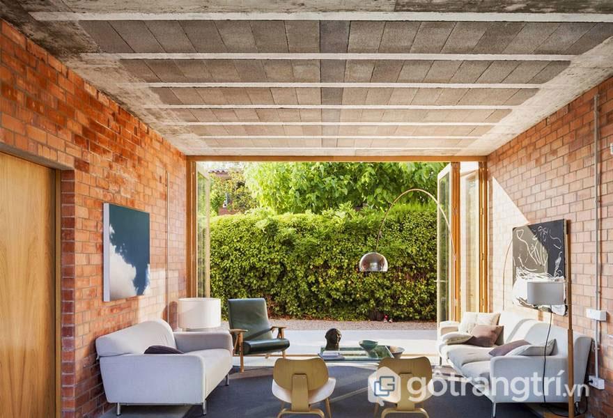 Thiết kế tường lộ gạch - Ý tưởng vi diệu làm mới căn phòng khách - Ảnh: Internet
