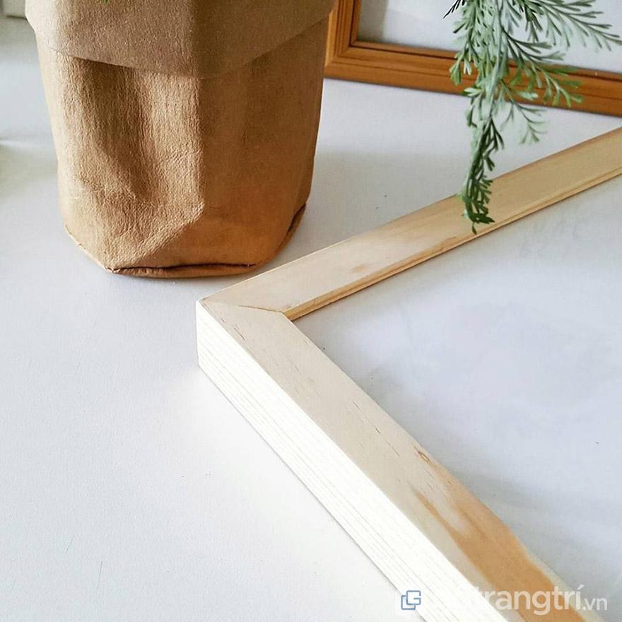 Khung tranh gỗ đang là lựa chọn của rất nhiều người bởi độ bền và tính thẩm mỹ cao.