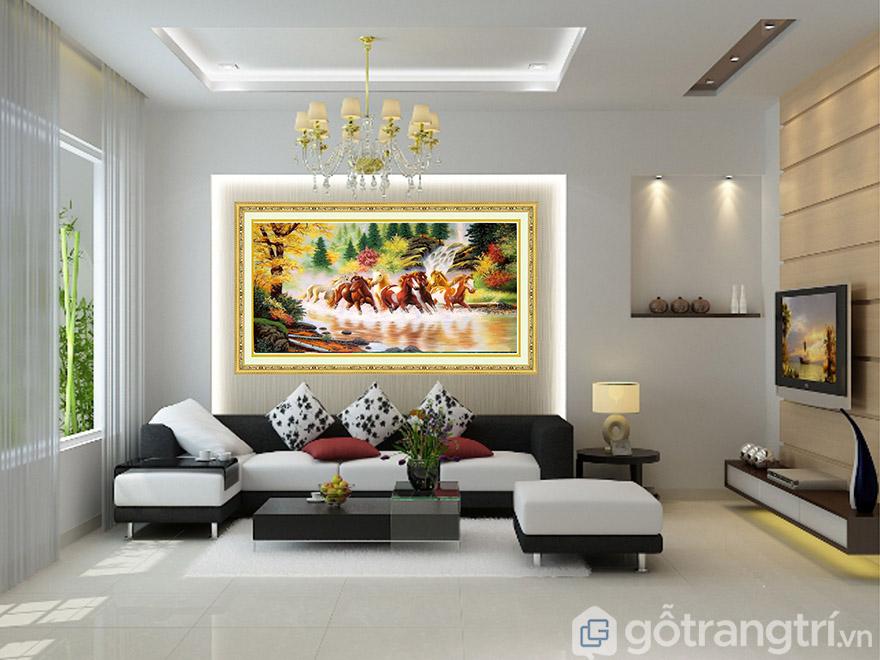 Màu sắc khung tranh nghệ thuật cần phù hợp với màu sắc tranh.