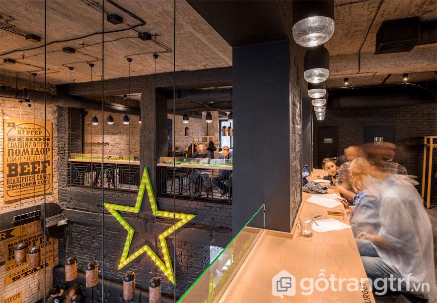 Một không gian ăn uống khá lãng mạn (Ảnh: Internet)
