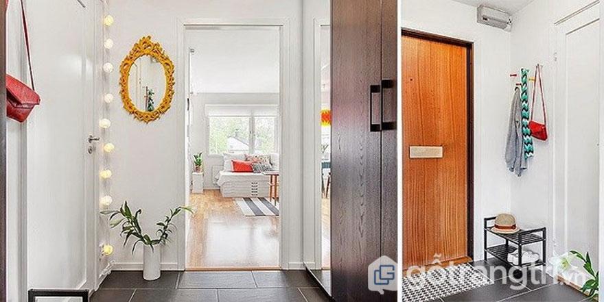 Thiết kế nhà theo phong cách retro: Lối vào nhà được thiết kế với tường trắng và nền gỗ sáng bóng (Ảnh: Internet)