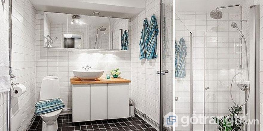 Ngôi nhà phong cách retro với phòng tắm được sử dụng gạch ốp tường trắng, gạch lát nền đen tạo sự quyến rũ (Ảnh: Internet)